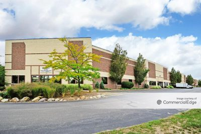 42,286 SF Available in Parma, Ohio 5575 VENTURE DRIVE – 42,286 SF Parma , OH